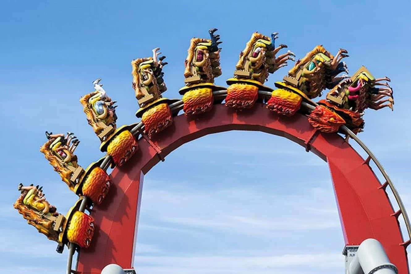 dragon-challenge-ride-red-coaster