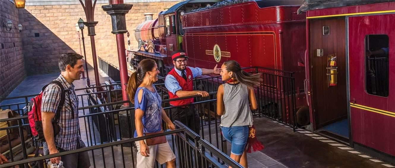 hogwarts-express-hogsmead-station-boarding