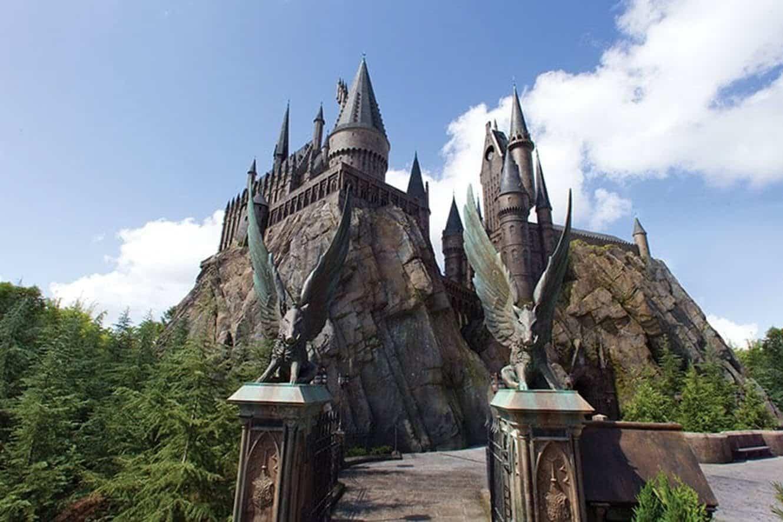universal-orlando-forbidden-journey-ride-castle